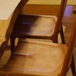 一枚板に合わせた椅子のお届け
