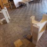 松葉屋の一枚板テーブルの脚が「置き脚」の理由
