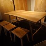 松葉屋 3枚の板でつくったテーブル