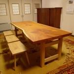 大きな欅の一枚板テーブルをお届けしました。