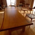 楢の一枚板テーブルをお届けしました。