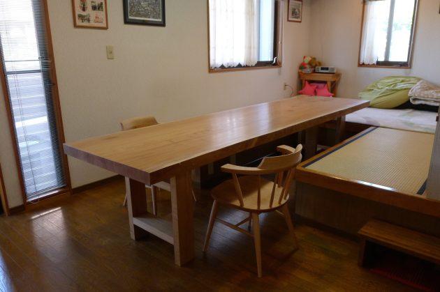 松葉屋の一枚板テーブル欅3メートル