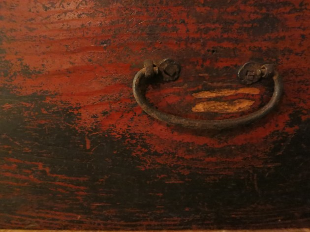 松葉屋の古い家具