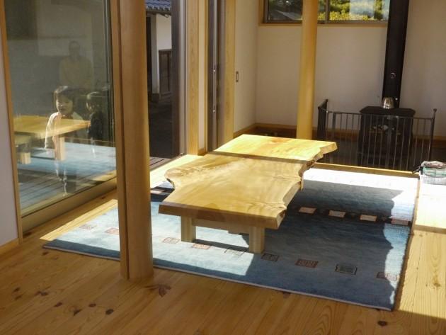 松葉屋S邸栃一枚板テーブル