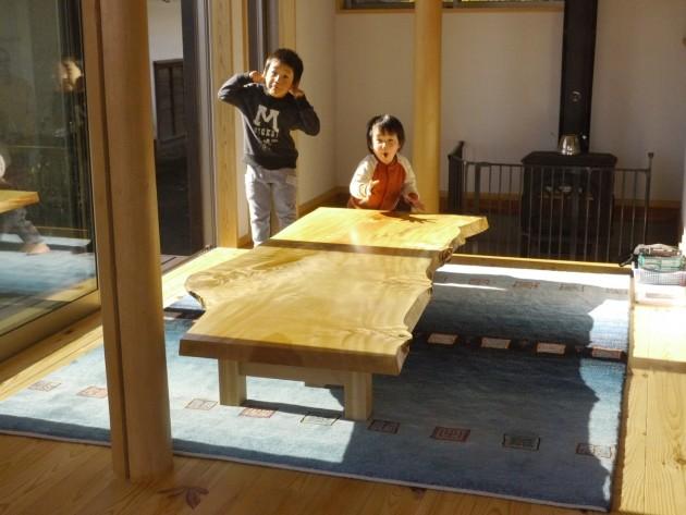 松葉屋S邸栃一枚板テーブル2