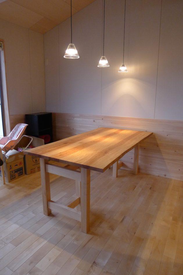 松葉屋3枚剥ぎテーブル 水目桜