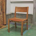 美しい胡桃の椅子が仕上りました。
