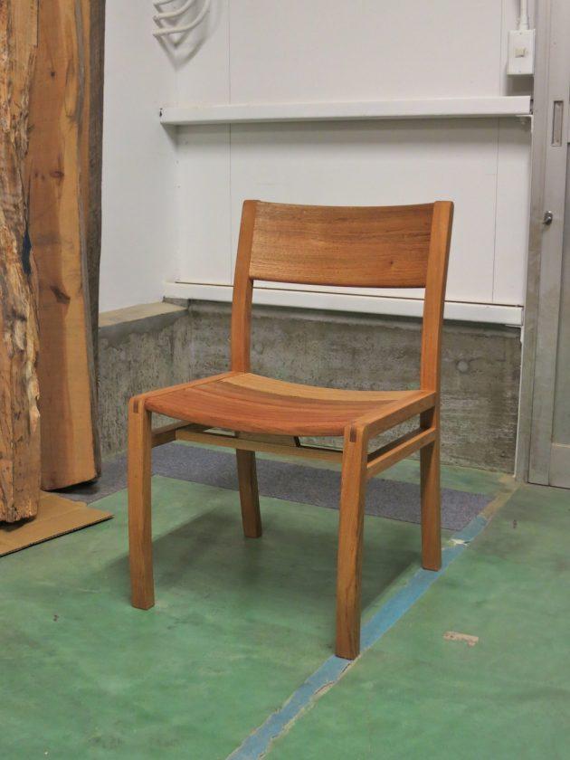 松葉屋 胡桃の椅子