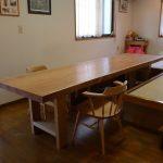 欅の大きな一枚板テーブルをお届けしました。