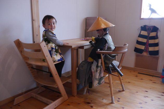 桜の学習机と小さい殿様 使い心地は?