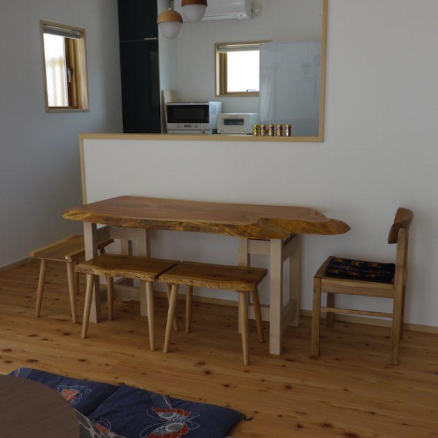 2〜4人がけの欅の一枚板テーブル